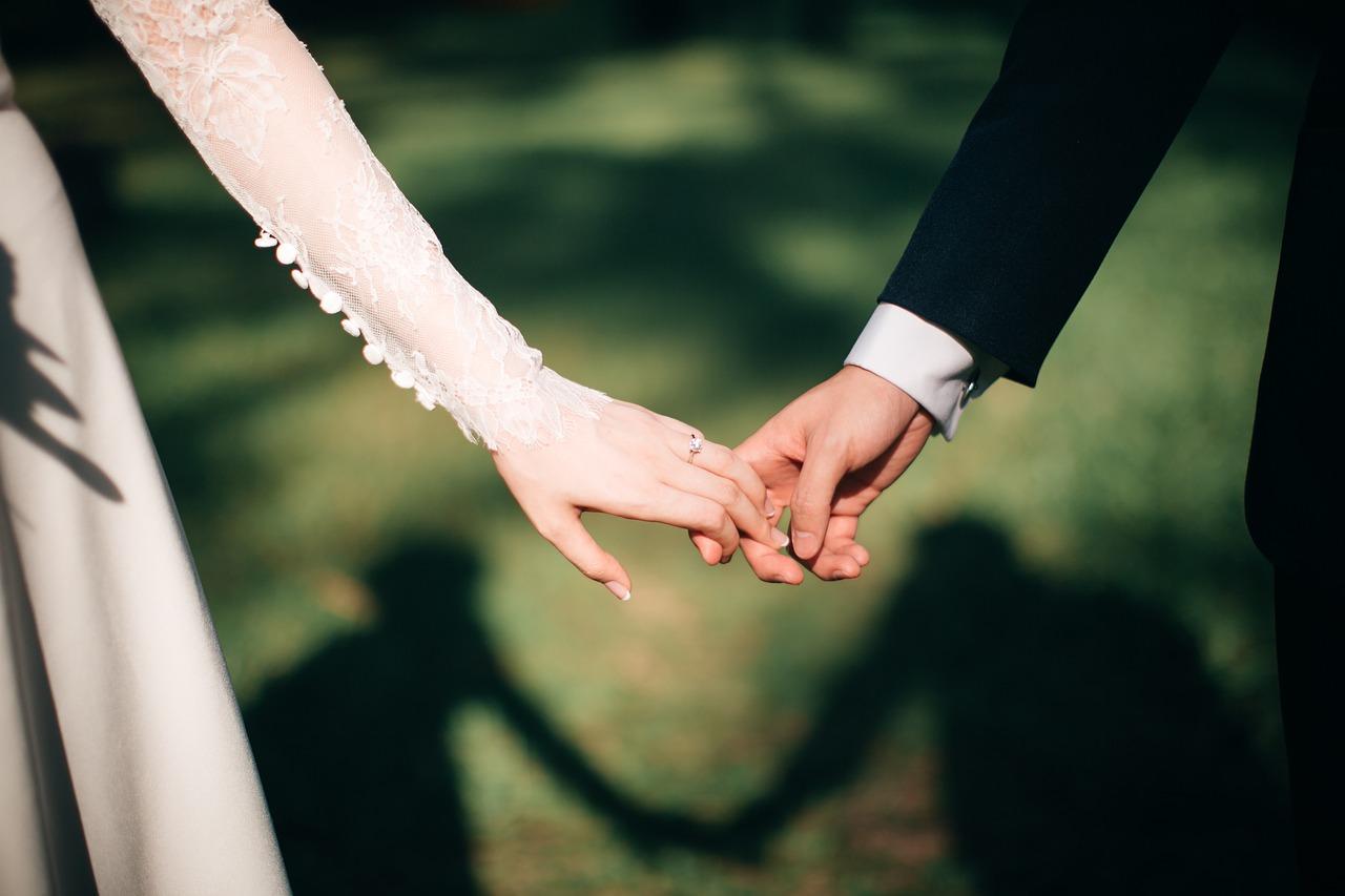 Samenlevingscontract, geregistreerd partnerschap of huwelijk: wat zijn de verschillen?